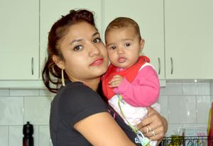 Nicoleta Tamase och hennes baby fick hjälp av Tuija Wiklund och hennes syster. Nu har mor och dotter återvänt till Rumänien.