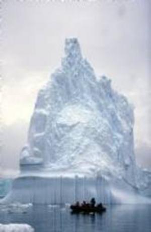 Antarktis Pleneau Bay. Temperaturen stiger även inne i själva Antarktis, vilket forskarna tidigare tvivlat på.Foto: SylviaRubli WWF