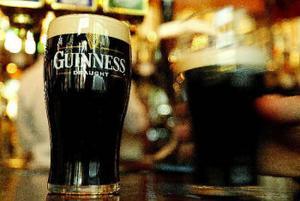 Irish pub på Nybrogatan får nya ägare. Om allt går i lås kommer discot till våren att ersättas av en ny grekisk restaurang. Själva puben blir kvar i sin nuvarande utformning, enligt planerna.