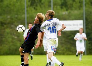 Viktor Roos, nyförvärvet från Arbrå, spelade respektlöst mot Sollentuna och gjorde SFF:s första mål i 2–2-matchen på Hällåsen.