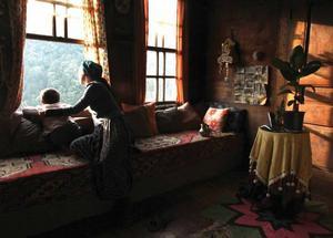 """Turkiska """"Honung"""", årets vinnare i Berlin, är en vacker film. Och tyst. En stilla meditation i en väldig turkisk skog."""
