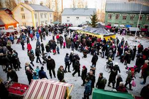 Insändarskribenten undrar om de mångkulturella inslagen kommer att försvinna på Murberget med anledning av den nya inriktningen mot en mer klassisk julmarknad i år.
