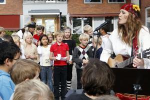 Lilla Sofie följdes av andra sånger om krig och fred.