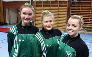 Kajsa Larsjörs, Caroline Morelius och Lydia Sälgström från Hedemora var lite nervösa innan tävlingen. Foto: Klockar Mattias Nääs