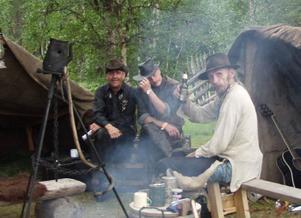 Kent Lundqvist, Benke Eriksson och Jörgen Salomonsson tillhör Real Peacemakers som bor inne på festivalområdet.