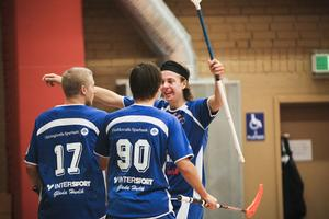 En i det närmaste magisk trio. Nicklas Forslöf (17), Jakob Jonsson och John Johnsson (90) svarade för 15 av målen i seriefinalen mot Ersboda.