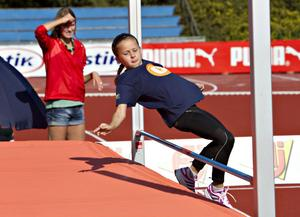 8-åriga mångkamparen Frida Hjorth imponerade på Emma Green Tregaro med sitt hopp.