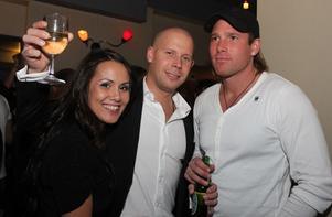 Blue Moon Bar. Sanna Soriano, Tim Rågerbrand och Andreas