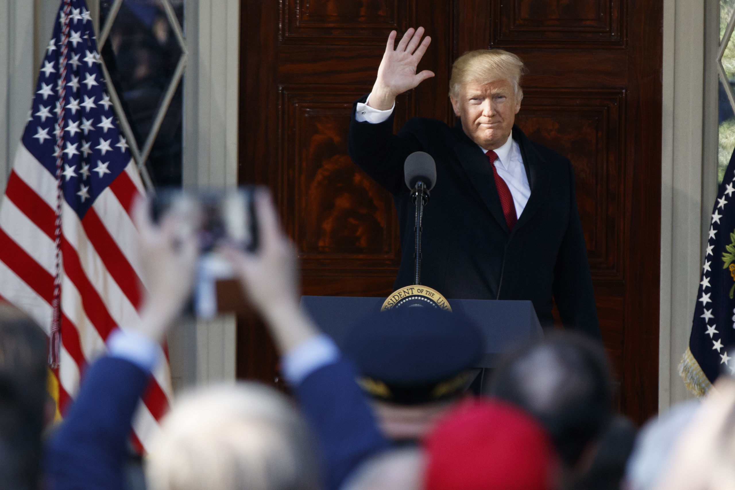 Trump rasar over stoppat inreseforbud