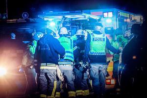 En svår singelolycka inträffade på riksväg 50 mellan Toftbyn och Enviken i Falu kommun på lördagskvällen. Föraren skadades svårt i olyckan och en hund som färdades i bilen dog.