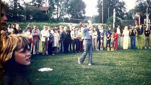 Sven Tumba slog det första utslaget på Fagerstas golfbana.