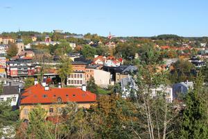 Behövs det en stadsarkitekt när Norrtälje växer så det knakar. Där går åsikterna i sär.