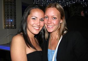 Blue Moon Bar. Sanna och Annika