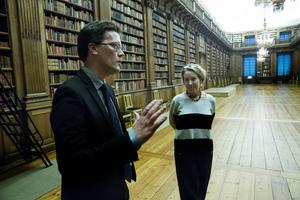 Slottsbibliotekarien Arvid Jakobsson har doktorerat på Oscar II som var en skrivande kung.