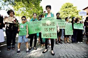 Grönt var färgen när det demonstrerades mot regimen i Iran.