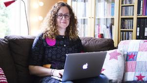 Avestabon Camilla Gunnarsson vill att de som läser hennes böcker ska reflektera kring innehållet.