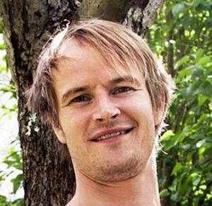 Jens Nilsson, skådespelare, Örnsköldsvik:      – Tänker inte ens tanken. Vi ska till slutspel. Men om det händer i framtiden är det värre än Greklands konkurs.