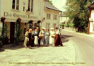 Svunnen tid. Bild från 50 årsjubileet 1966. Bland personalen syns Elsas sonhustru Eva Bergvall (trea från höger).