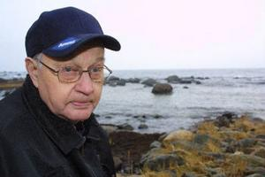 Kalle Lindberg var en av de första på haveriplatsen och han minns ännu den hemska natten då de fem männen på Delos frös ihjäl.