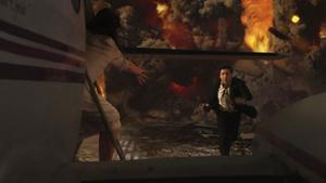 Konstig casting. John Cusack är en charmprick, men som actionhjälte får han en nästan, men bara nästan, att ropa på Will Smith.Foto: Columbia PicturesColumbia Pictures
