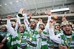 Västerås SK behöver inte bara jubla över de senaste två årens guldframgångar. Snart är bandyklubben skuldfri också.