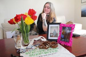Annika Kilmarks son Daniel begick självmord i juni 2015. Hon bearbetar sorgen genom engagemang i Suicide zero, målar, och skriver dikter.