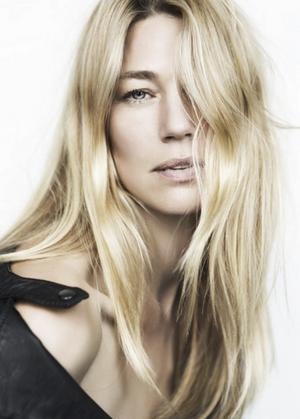 Många Ansikten.  Caroline Forsling är fortfarande en mycket eftertraktad modell och har kalendern fulltecknad. Foto: ONE NY