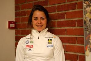 Anna Haag är på väg tillbaka från den förkylning som stoppade henne i Tour de ski, men hon kommer inte att hetsa fram en comeback.