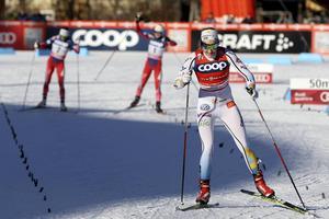 Stina Nilsson var illa ute och klarade sig med minsta möjliga marginal vidare till finalerna i sprinten.