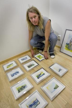 Hemma i Västergötland. Jan Annerborn visar sina akvareller, denna gång  i galleri Elixir. Foto: Håkan Selén