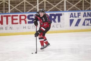 Emil Broed har förlängt sitt kontrakt med HHC över den kommande säsongen.