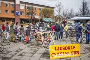 Uppemot 100 cyklar brukar säljas och köpas på cykelbytardagen i Ljusdal.