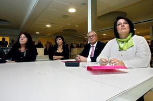 Snopet. Ninni Berggren-Magnusson, Anna-Karin Ferm, Mats Öström och Carina Blank från Gävles delegation får beskedet att Gävle är utslaget från tävlingen om att bli europeisk kulturhuvudstad 2014.