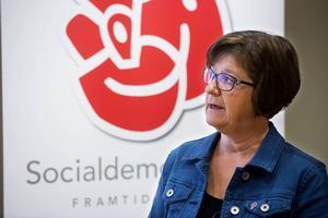 Här är bakgrunden till landstingskrisen - på 60 sekunder. På bilden: Landstingsrådet Elisabet Strömqvist (S) som petades.