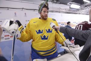 Jacob Markström blev matchhjälte igen efter att ha räddat tre av fyra straffar. Nu kritiserar han VM-arrangemanget: