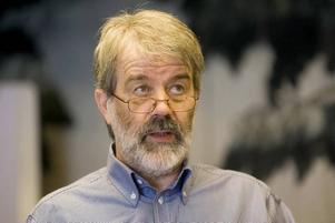 Vill Påverka. Storbandsledaren Åke Björänge har också gått med i Socialdemokraterna för att kunna påverka kulturpolitiken.