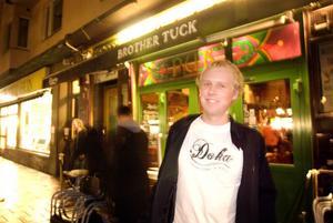 Oskar Flink från Arbrå har sett Doka flera gånger, men passade ändå på att åka med bandet till Stockholm.