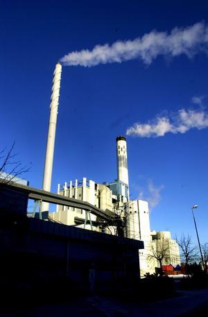 Nya direktiv. Mälarenergi har låga priser på fjärrvärme, men är på Naturskyddsföreningens svarta lista för koldioxidutsläpp.