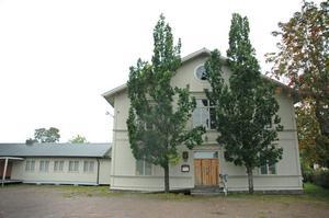 HÄLSOHUS. I det gamla möbelhuset i Tierp ska Hälsohuset inrymmas. Förutom stödsamtal ska det bli ett fik och träningsmöjligheter för ungdomar.