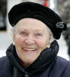 Lena Nystedt, 87 år, Östersund:– Nej, jag tycker att stan ska få leva. Om allt kommer till Lillänge så får vi inga människor i centrum. Det blir en död stad.