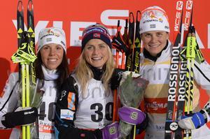 Charlotte Kalla och Ida Ingemarsdotter fick göra Therese Johaug sällskap på pallen.
