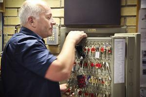Nyckeln som krävs för att starta tyfonerna förvaras i ett kassaskåp.