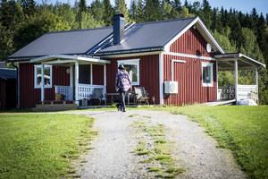 Rania och Andreas hyr ett hus på 50 kvadrat.