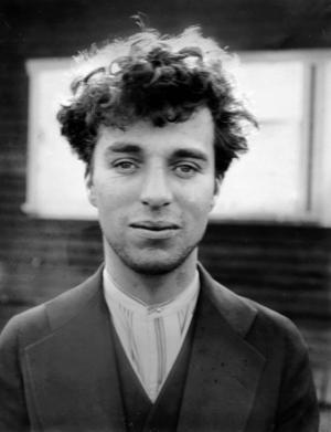Charlie Chaplin 27 år gammal. Fotografiet togs 1916.