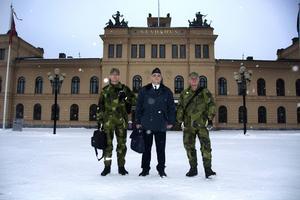 Från vänster: Urban Fröberg, kapten, Ronald Forsberg, kommendörkapten, Jens Persson, major.