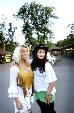 Ingela Wester och Angelicka Wester var där för att se sina favoriter.