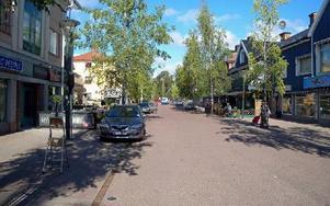 Storgatan måste bli säkrare under marknadsdagarna så att utryckningsfordon kommer fram. Foto: Per Malmberg/DT
