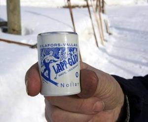 Lappkglid. Dan Danielssons favoritvalla. Här lappglid Nollan, den absoluta favoriten.Nu på lördag är det Trä- skidans dag i Ottsjö. Samling vid affären.– Träskidan är värdig en egen dag. En Träskidans dag hoppas jag ska ge lite högre status till skidorna, säger arrangören Dan  Danielsson.