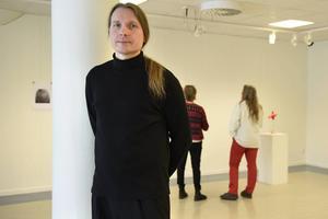 Daniel Torarp, konstnär från Stockholm, har utformat årets Vårsalong.