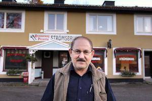 Saaid Zebari sätter nytt liv i Strömsbruks enda restaurang. Han har sökt utskänkningstillstånd men tvekar om det är någon dragare här i Strömsbruk.